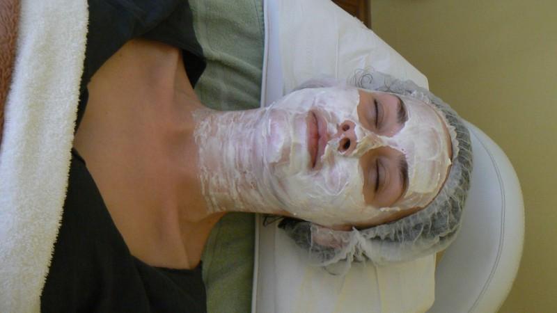 Míša Salačová a ošetření od Laboratoires Renophase s maskou VITAL.