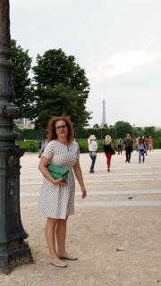 S Eiffelofkou v zádech