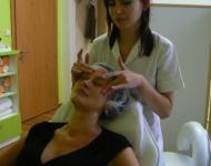 Masáž a liftingová emulze se štědrým vypínacím komplexem, lifting a vyplňující efekt, zdůraznění kontur obličeje
