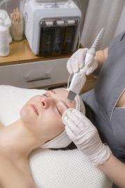 Čištění pleti ultrazvukovou špachtlí