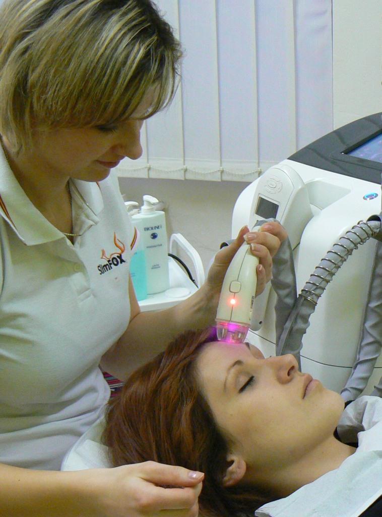 Právě prováděné ošetření současně laserem+radiofrekvencí+vakuem