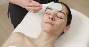 nanášení hydratační slupovací masky