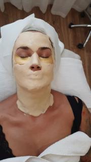 Míša Salačová a zlatá maska