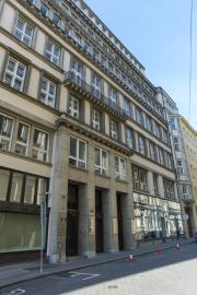 SlimFOX sídlí na ulici Sukova 4